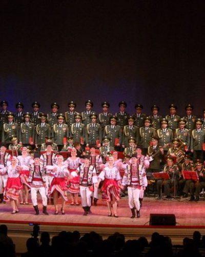 Η θρυλική χορωδία του Κόκκινου Στρατού που έδινε παραστάσεις στην πρώτη γραμμή του μετώπου. Σκοτώθηκαν όλα τα μέλη της σε αεροπορική τραγωδία το 2016